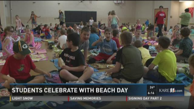 Students celebrate with beach day