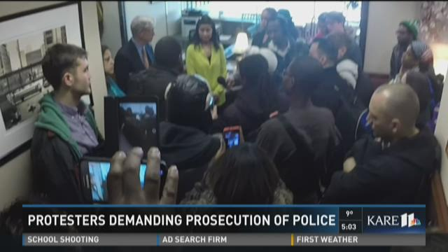 Protesters demanding prosecution of police