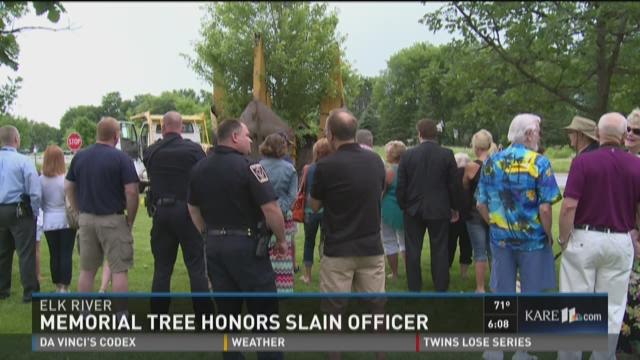 Memorial tree honors slain officer