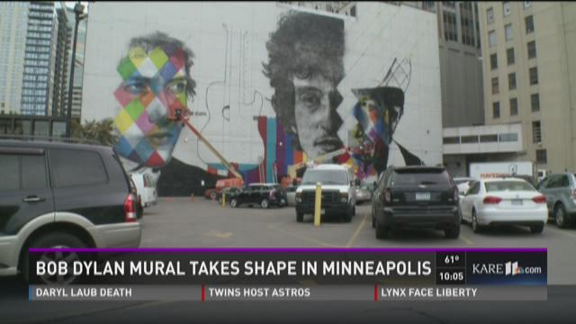 Bob Dylan mural takes shape in Minneapolis